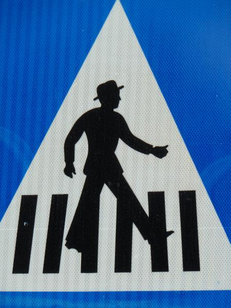 Jerusalem_Pedestrian_crossing_sign_man_with_a_hat_closeup